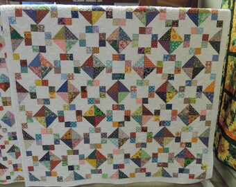 Vintage Fabric Quilt. Twin size blanket. white scrappy 4789