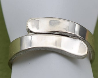 silver snowboard ring