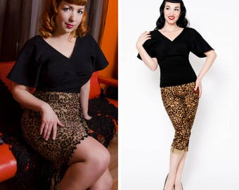 Black vintage pin-up vamp shirt with bell sleeves