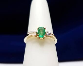 14kt Yellow Gold Ring with Emerald and Baguette Diamonds - 15.L168E