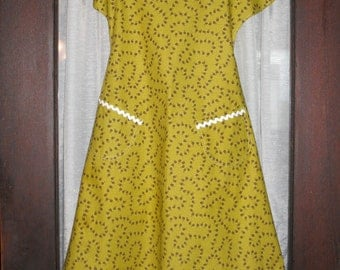 Yellow Print Apron (2 Options)