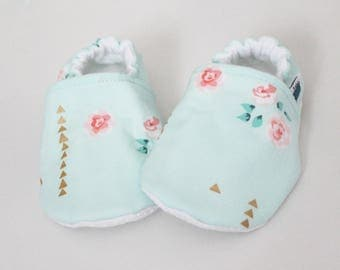 Crib shoes, Baby slippers, Mint Floral, Pink, Gold, Flannel, Cotton, Soft soles Moccasins, Toddler, Shower gift, Newborn, Cozy, First shoes