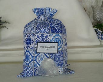 My bags decorated with blue faience bag