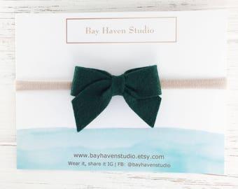 green hair bow, green felt bow, St Patricks Day hair bows, green baby headband, baby bow headband, baby girl headband, newborn hair bow