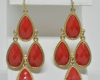 Stunning gold tone Beaded Earrings