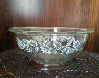 Vintage Pyrex 323 Colonial Mist/White Lace Milk Mixing Bowl