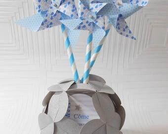Decorative origami vase and its customizable pinwheels