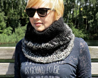 Knit black scarf Knitted black cowl Black knit cowl Knit circle scarf Chunky cable scarf Knit black cowl Big knit scarf Winter outfits