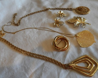 Vintage Gold Necklace Maple Leaf Brooch Clip On  Earrings Sarah Coventry Locket Aspen Leaf Necklace