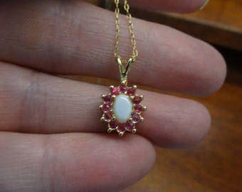 Vintage 14K Gold Filled Chain with Pink Rinestones and White Pearly Center