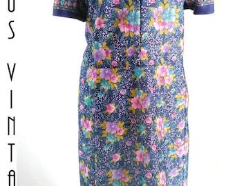"""Plus Size UK 22 1970s Vintage Floral Tea Dress Blue Pink Purple EU 50 US 18 Bust 48"""" 122cm"""