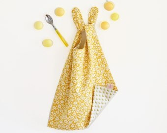 Large reversible bib , yellow bib , flowers and lemon pattern for this lovely XL bib , baby shower gift , lemons , yellow