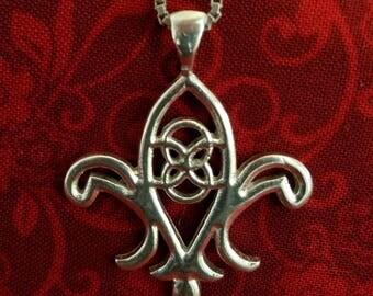 CP101 Vintage Sterling Silver Necklace with Sterling Silver Fleur de Lis Pendant