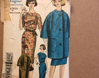 Vintage Vogue Printed Pattern # 4194 Size 12 Bust 32 Hip 34 One piece Dress, Coat & Scarf