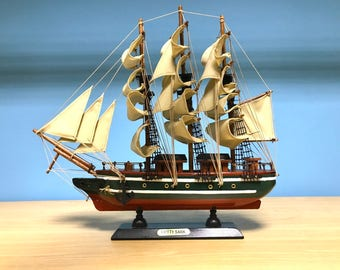 Wooden model ship Cutty Sark miniature, decorative collectible, retro collection,model sailing boat,ship decor,nautical decor