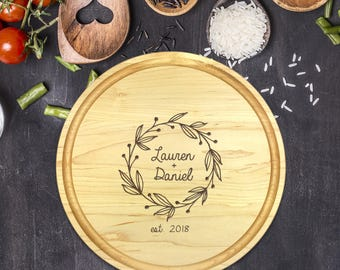 Personalized Cutting Board Round, Cutting Board Personalized, Wedding Gift, Housewarming Gift, Anniversary Gift, Laurel, Names, B-0050