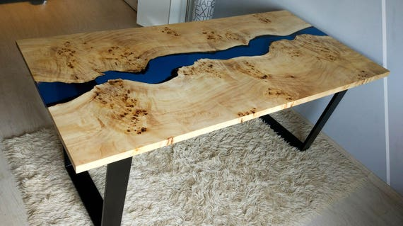 table de rivi re bleue avec incrustations de r sine poxy. Black Bedroom Furniture Sets. Home Design Ideas
