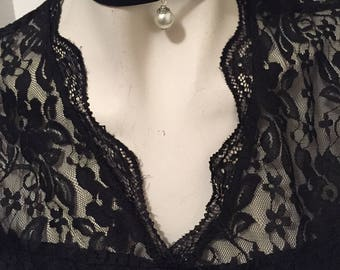 Black Choker Necklace with Pearl Pendant