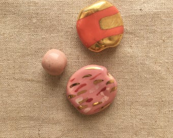Kazuri Beads, pink, coral, flecked, Handmade ceramic beads for jewellery making, Fair Trade, Handmade in Kenya