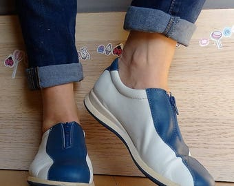 Bowling shoes women size 8 white leather bowling shoes bowling sneakers blue zip up shoes EU 39 US 8.5 Vintage 90s