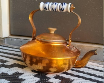 Vintage Copper Tea Kettle -- FREE SHIPPING