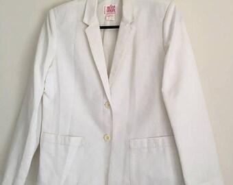 Vintage white cream boyfriend 2 button blazer, Mister Leonard by Len Wasser, size 10, dry clean only, made in Canada