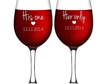 Toasting Wine Glass for Wedding - Mr & Mrs Wine Glass - Newlywed Gifts iDea for Couple - Wedding Glassware - Party Accessories