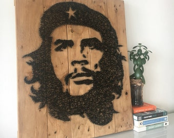 Che Guevara - Portrait - String Art - Reclaimed Pallet Wood Wall Art - Handmade