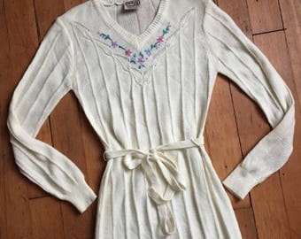 vintage 1970s knit dress // 70s knit sweater dress with belt