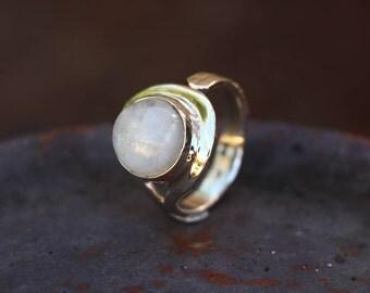 Moonstone Ring, Adjustable Ring, Rings, Rainbow Moonstone Ring, Adjustable Silver Ring, Antique Moonstone Ring, Moonstone Jewelry, JR0004