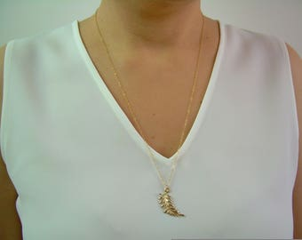 Dainty Gold Necklace / Gold Feather Necklace / Dainty Leaf Necklace / Delicate Gold Chain / Gold Dainty Necklace / Thin Gold Chain AD010