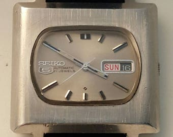 SEIKO 6119-5401 stainless steel TV style watch dating to the 1970's--------SERVICED---------