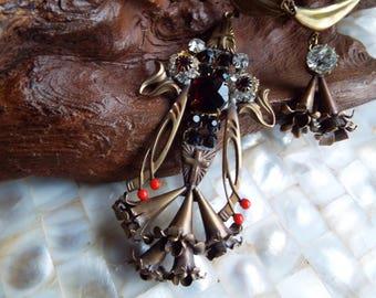 Statement Art Deco Trumpet Lily Czech Glass Necklace