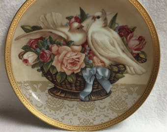 Gloria Vanderbilt Home Furnishing Collector Plate - 'Romance in Bloom' Turtle Doves (#182)