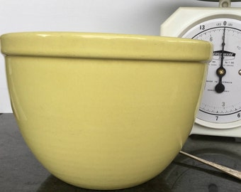 Fowler ware mixing bowl Large pudding bowl Lemon yellow Made in Australia Styling prop Vintage kitchen Collectibles