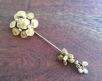 Miriam Haskell 1940s Gold Tone Faux Baroque Pearl Flower Pin Stick Pin-Hat Pin-Brooch, signed