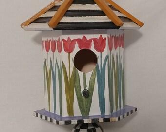 Summer Tulip Birdhouse