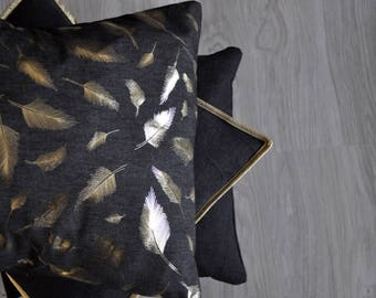 Cushion cover Golden feathers