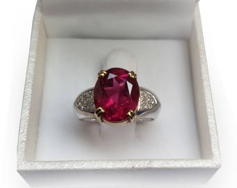 Rubellite Tourmaline 3.5 ct Gold Ring and Brilliant Diamonds 0.12 ct, Tourmaline Jewellery, Engagement Ring