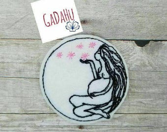 Pregnant Girl in the Moon feltie. Embroidery Design 4x4 hoop Instant Download. Felties.