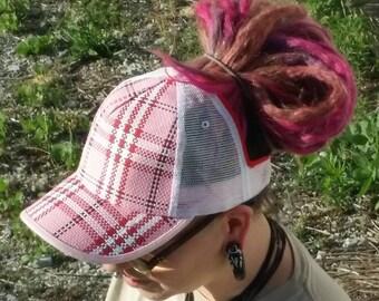 Hat/visor hybrid for dreadlocks and long hair