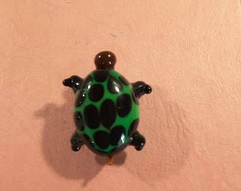 Paperweight glass turtle.
