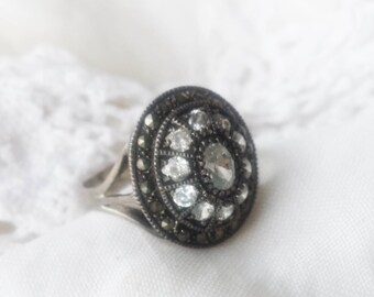 Vintage Cubic Zirconia and Marcasite Sterling Silver Cluster Ring  - 1980s - Excellent Condition - Exquisite - Prom Bridal Shower