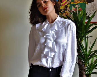 Frill collared blouse
