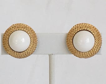Kramer Preppy Nautical Earrings, Coiled Rope, White Plastic Dome, Gold Tone, Clip On, Vintage, 1960s