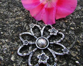 45 mm Tibetan Silver Flower connector