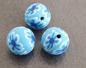 6 blue flowers 12 mm round polymer beads