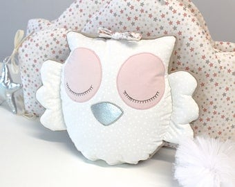 Soft owl cushion, pale pink, off white, taupe color. Bottom opening to insert a musical box not included