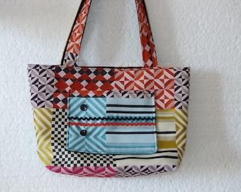 Chic and original handbag in colorful jacquard fabric