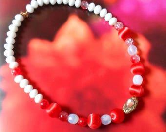 Sorbet collar satin beads